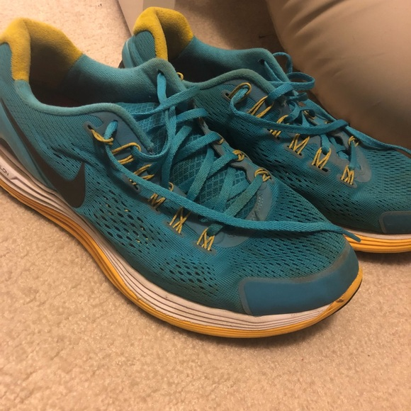 e560d9f42e9d6 Nike Lunarlon Shoes— Women s size 12. M 5a65006da825a61bb1716de1
